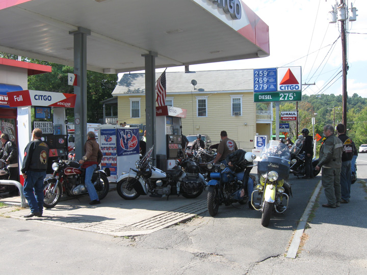 40 bikes at little gas station.